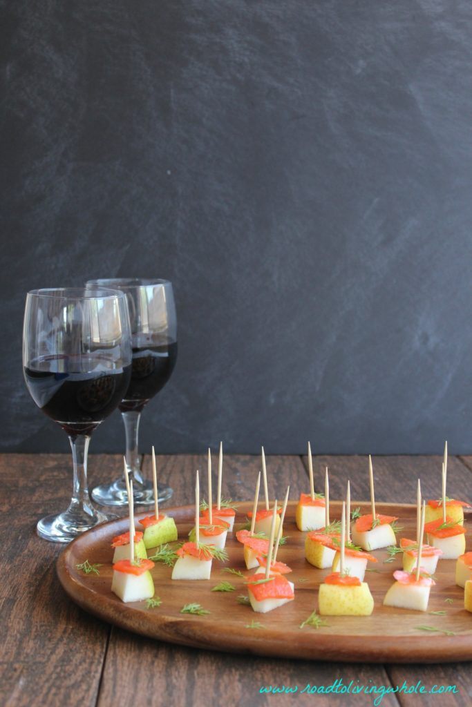 salmon dill pear bites with wine