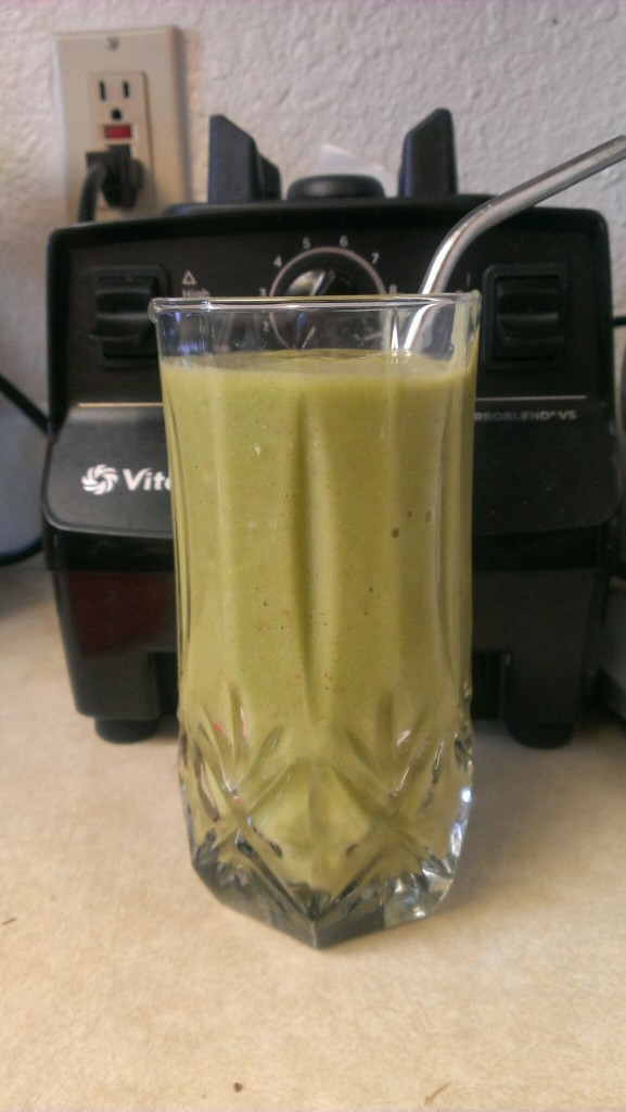 apple peach green smoothie