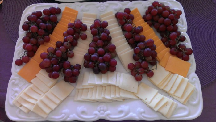 grape and cheese platter smaller