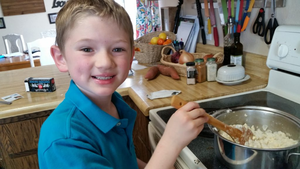 easy ways kids help in the kitchen